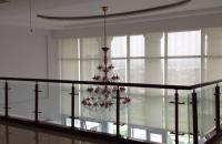 Bán căn hộ Penhouse 671 Hoàng Hoa Thám 300 m2, nội thất đẹp, view hồ Tây, giá 15,5 tỷ