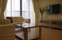 Bán căn hộ 165 Thái Hà, 65 m2, 2 PN, nhà đẹp, BC Đông Nam, giá 2,45 tỷ