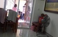 Bán căn hộ tập thể Nghĩa Tân, 2 phòng ngủ, 1WC, nhà sửa chữa đẹp