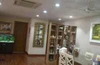 Bán căn hộ 671 Hoàng Hoa Thám, 178m2, 3PN, nội thất đẹp, giá 34,5 triệu/m2