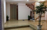Bán nhà Phương Mai, quận Đống Đa, kinh doanh rất tốt, rộng 100m2, giá 19.5 tỷ.