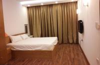 Cho thuê căn hộ 172 Ngọc Khánh 115 m2, nội thất đẹp, view hồ, giá 15 triệu/tháng nhận nhà ngay