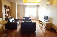 Bán căn hộ ban tổ chức Trung Ương 97 Văn Cao, Ba Đình, 72 m2, 2 PN, nội thất đẹp, giá 2,3 tỷ