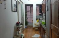 Bán căn hộ tập thể DT: 75m2 tầng 3 (lô góc 3 mặt thoáng) Nam Thành Công, giá 1.95 tỷ