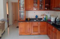 Bán căn hộ chung cư tòa nhà Biển Bắc 1070 Đê La Thành, P. Ngọc Khánh, Ba Đình, căn góc view hồ