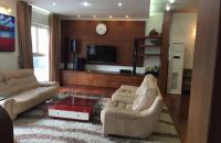 Bán chung cư cao cấp Lạc Long Quân, view hồ Tây, DT 130m2, 2PN full nội thất giá 29tr/m2