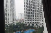 Bán nhanh căn hộ Royal City, căn góc, 3 phòng ngủ đủ đồ, hướng mát, view bể bơi - LH: 01694713521