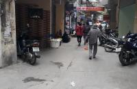 Bán nhà vị trí đẹp, kinh doanh sầm uất, Tây Sơn, 30m2, 3.7 tỷ.