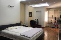 Gía cực rẻ! Nhà mặt phố Ngã Tư Sở, Thanh Xuân, 142m2x4T, gần Royal City, giá chỉ 17.2 tỷ.