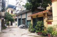 Nhỉnh 2 tỷ chút có nhà mặt ngõ xe ba gác phố Hoàng Mai 30m2x5 tầng, gần ô tô. LH 0969548595