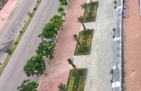 Dự án nằm trên mặt tiền lớn Mai Chí Thọ với 4 mặt thông thoáng, đường rộng 48m