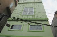 Bán gấp chỉ 2.8 tỷ nhà 3 tầng số 6 ngõ 95 Phạm Văn Đồng, 61 m2, 3 mặt thoáng, LH 0906238906
