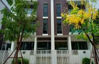 Bán căn góc biệt thự vip Thanh Xuân 217m2, 4 tầng 1 hầm, view vườn hoa. LH: 0904.665.330