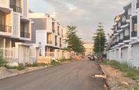 Bán liền kề Nam 32 72m2, 4 tầng, giá rẻ như chung cư 3 phòng ngủ. LH Ms Hòa 0961461594