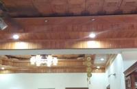 Bán căn hộ giá rẻ mặt đường Cầu Giấy, 125m2, 4PN sửa chữa rất đẹp, giá 25 tr/m2, LH: 0964897596