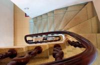 Cần bán nhà phố Đào Tấn, 35m2, 6 tầng, mặt tiền 4m, giá 3,85 tỷ có thương lượng.