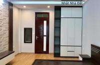 Một nhà ra phố Minh Khai 52m*5T chỉ 2.8  Tỷ