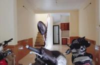 Bán nhà Thái Thịnh,1 nhà ra phố,37mx3t,giá 3,7 tỷ.LH 0968124578.