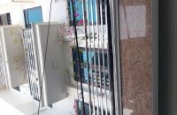 Bán nhà mặt phố Nguyễn Văn Linh ,mặt tiền 4.5m ,5tầng Giá 2 tỷ7
