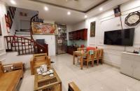 Nguyễn Sơn 45m2, MT 5m 4.42 tỷ Ô tô đỗ cửa, nội thất đẹp Long Biên