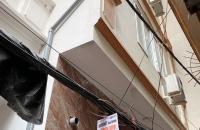 Bán nhà Kim Ngưu,kinh doanh tốt,ô tô đỗ cửa,40m,4 tầng,3,7 tỷ.Lh:0989126619.