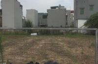 Cần bán mảnh đất đẹp,vuông vắn,đường rộng 10m khu Giang Biên-Long Biên