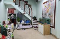 Bán nhà Ngô Gia Tự Long Biên 45m, giá 1,7 tỷ, LH 0933967666.