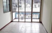 Nhà đẹp Đê La Thành, chỉ xách vali vào ở, DT 30 m2 x 4T.