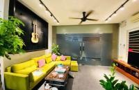 Chính chủ cần bán nhà Phố Hào Nam, Đống Đa, 50m, 5 tầng, giá 10.6 tỷ, LH: 0976942686