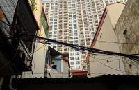 Bán nhà cực hiếm 30 m, Nguyễn Trãi, Royal City, giữa Lòng Hà Nội, 3 tầng bán 1.38 tỷ.