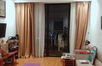 Bán căn hộ tại Royal City 82m2 tòa R6,full nội thất,2PN,ban công Đông Nam,giá 4 tỷ-LH 0343951063
