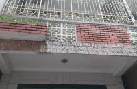 Bán đất tặng nhà 3 tầng cũ phố Giáp Bát,Hoàng Mai,79m,mt 4.5m,ô tô vào nhà,giá 7.5 tỷ.