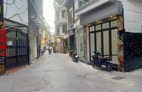 Bán nhà 5 tầng, phố Vương Thừa Vũ, 6.2 tỷ. Ô tô tránh nhau trước cửa