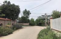 Do gia đình có nhiều vấn đề nội bộ nên cần bán gấp mảnh đất gần Khu du lịch Hồ Suối Hai - Ba Vì - Hà Nội