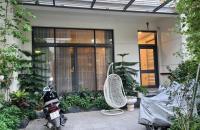 Bán gấp Biệt thự sân vườn Phố Liễu Giai, khu vip toàn Tướng tá, 120m, 3 tầng, gần phố.