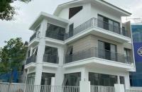 Cần tiền bán gấp biệt thự Dương Nội Hà Đông, giá 13 tỷ 200m2, 5 phòng ngủ + 6 vệ sinh