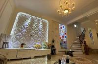 Nhà đẹp giá rẻ Phố Thái Hà Quận Đống Đa trung tâm của Thủ Đô cách phố chỉ vài bước chân.